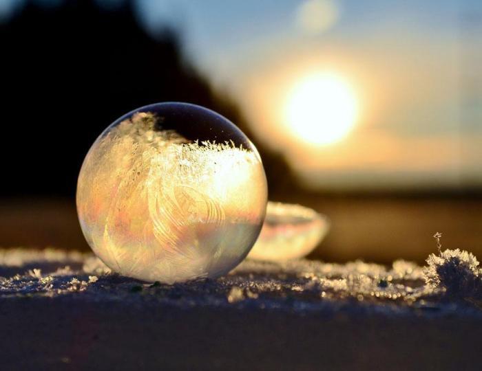 frozen-bubbles-angela-kelly-11