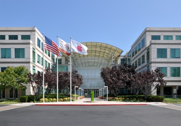 Apple-headquarters-Cupertino-Clifornia-exterior-001