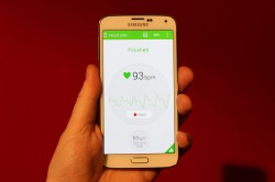 Samsung Galaxy S5 live pictures and specs leak hours ahead of announcement !!