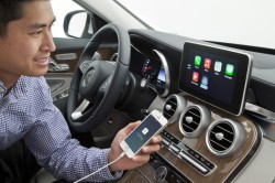Mercedes-Benz and Volvo Shows shows off Apple's CarPlay integration!