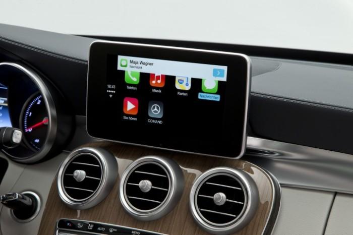 Mercedes-Benz-CarPlay-003