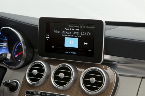 Mercedes-Benz-CarPlay-006