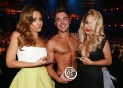 Zac Efron Wins Best Shirtless Performance, Gets Stripped by Rita Ora!